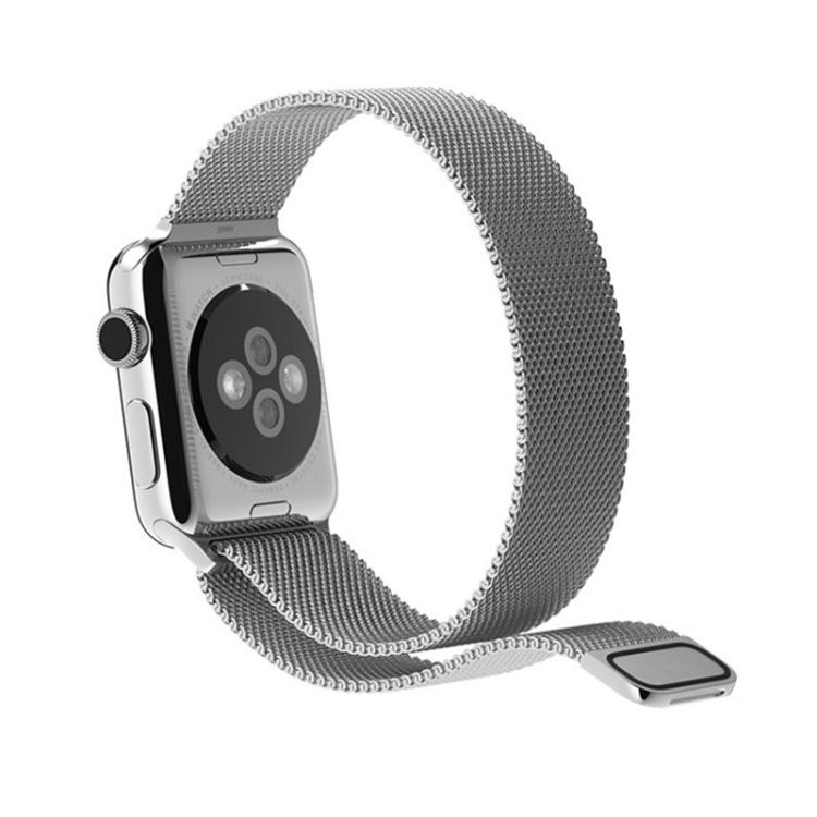 Браслет из нержавеющей стали серебристого цвета на Эпл Вотч 38/40mm