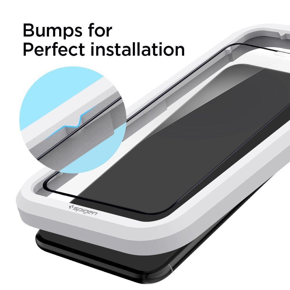 Защитное каленое стекло Spigen Alm Glass Fc IPhone 11 черное