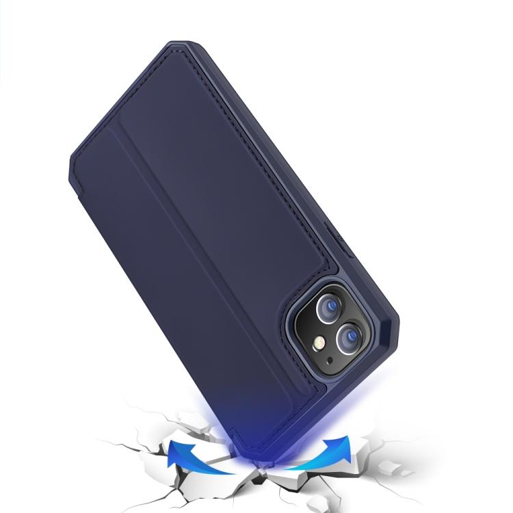 Противоударный чехол-книжка синего цвета на Айфон 12