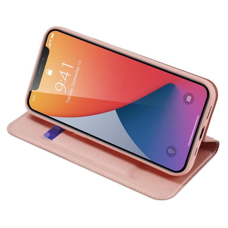Розовый чехол-книжка с складной подставкой на Айфон 12