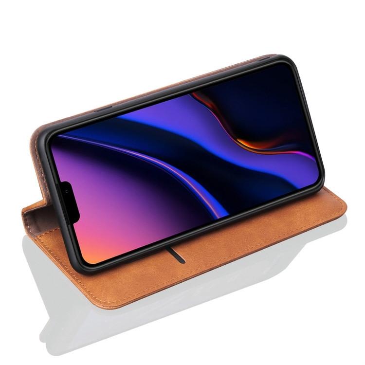 Чехол-книжка с складной подставкой для Айфон 11 Про Макс коричневого цвета