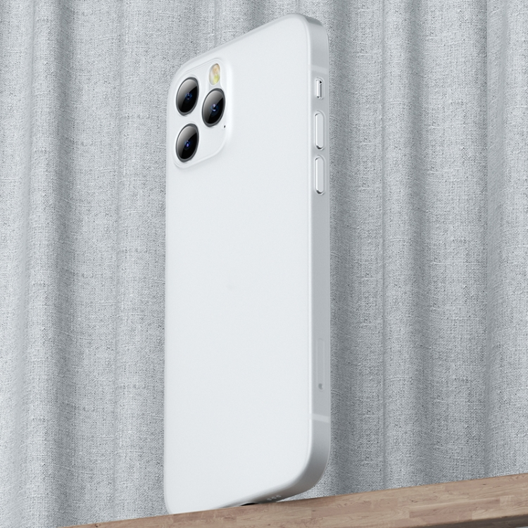 Белый чехол накладка для Айфон 12