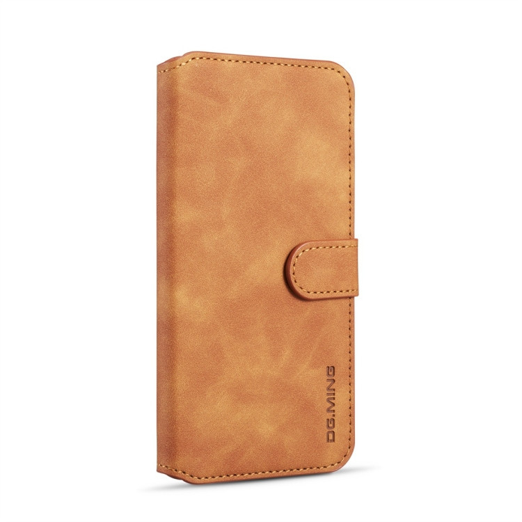Чехол-книжка DG.MING Retro Oil Side на Samsung Galaxy A10-коричневый