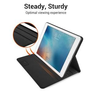 Премиальный Чехол ESR черный на iPad 2018 9.7