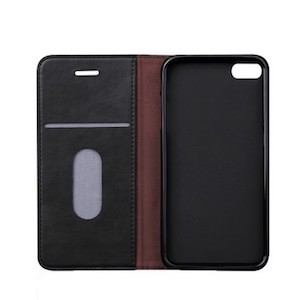 Черный мужской кожаный чехол книжка на айфон 5с